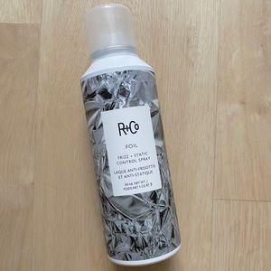 R+Co - Foil Frizz + Static Control Spray